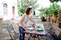 Lunch under the Tuscan sun...