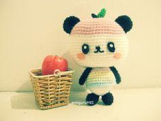 Pandapple from Sanrio free amigurumi crochet pattern :DD Crochet Panda, Crochet Amigurumi, Crochet Bear, Cute Crochet, Amigurumi Doll, Amigurumi Patterns, Crochet Crafts, Crochet Dolls, Crochet Projects