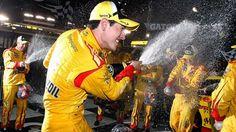 Nascar Sprint Cup: Ford et Logano s'offrent Bristol