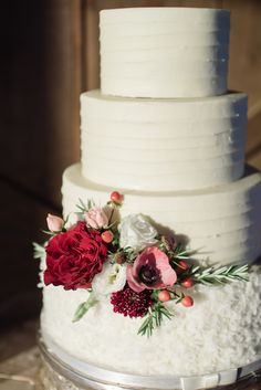 cake flowers by May Flowers | photo by Jennie Andrews Photography