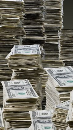 I am worthy of having millions in my checking and savings account. Money Affirmations, Positive Affirmations, Spiritual Manifestation, Millions Of Dollars, Attract Money, Mo Money, Billionaire Lifestyle, Life Goals, Minions