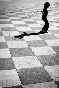 I really think this photo is cool because it's a moment caught in time, I love how the skipping rope is in mid-air#streetphotography #photography