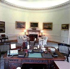 Oval Office - 1962 Les Kennedy, Caroline Kennedy, Jackie Kennedy, White House Interior, Interior Door, Madam Secretary, John Junior, Us History, History Pics