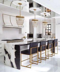 Modern Kitchen Interior Remodeling Cozinha preto e branco - Luxury Kitchen Design, Best Kitchen Designs, Luxury Kitchens, Interior Design Kitchen, Cool Kitchens, Design Bathroom, History Of Interior Design, Modern Home Bar Designs, Remodeled Kitchens