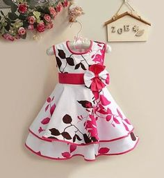 i love this cute dress for abby Girls Frock Design, Baby Dress Design, Baby Girl Frocks, Frocks For Girls, Baby Frocks Designs, Kids Frocks Design, African Dresses For Kids, Little Girl Dresses, Kids Blouse Designs