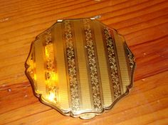 All Brass STRATTON English Vintage COMPACT W/ETCHED by THEUNITGAL, $48.00