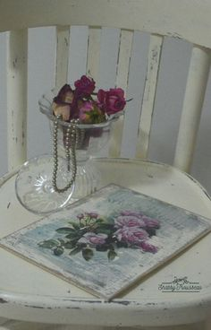 Shabby Chic wood plate - Roses model Decor, Shabby Chic, Vintage Home Decor, Vintage House, Shabby, Home Decor, Vase, Glass Vase, Vintage