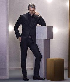 -traje-en-negro-de-massimo-dutti