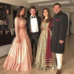 Priyanka chopra and nick Jonas after wedding photos Indian Wedding Gowns, Indian Gowns, Indian Attire, Indian Wear, Indian Outfits, Pakistani Outfits, Priyanka Chopra Wedding, Priyanka Chopra Saree, Shraddha Kapoor