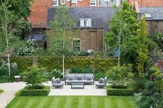 Contemporary Garden Seating Area