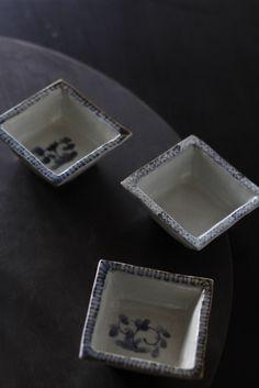 岡晋吾さん  のデザインで、有田製窯( Arita Porcelain Lab )