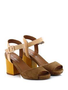 THE SELLER - Sandalo alto - Donna - Sandalo alto in pelle vintage e camoscio con cinturino alla caviglia e suola in gomma. Tacco 90, platform 15 con battuta 75. Tacco in vernice. - CREMA\CUOIO - € 135.00