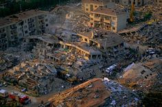 Tremblement de terre à Golçük, rivage de la mer de Marmara, Turquie