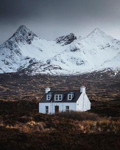 Isle of Skye, Scotland by Jason Charles Hill Skye Scotland, Scotland Travel, Highlands Scotland, Scotland Castles, Beautiful World, Beautiful Places, International Day Of Happiness, Scottish Highlands, Land Art