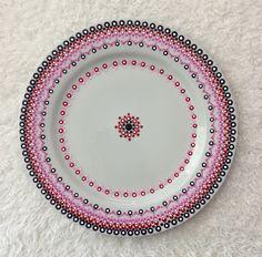 Mandala Painting, Dot Painting, Ceramic Pottery, Ceramic Art, Mandala Dots, Girls Time, Zen Art, Pottery Painting, Hanging Wall Art