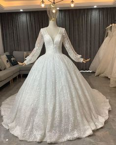 Wedding Gowns, Lace Wedding, Fashion, Homecoming Dresses Straps, Moda, Bridal Gowns, Bride Dresses, Fashion Styles