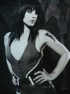 The distillers (brody dalle) - magazine cutting (full page photo) (ref Brody Dalle, The Distillers, Girls With Black Hair, Women Of Rock, Female Guitarist, Michelle Rodriguez, Beautiful Voice, Beautiful Women, Gothic Girls
