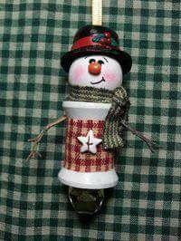 Handmade Snowman Spool Ornament Cowboy hat and bandana.burlap middle and cowboy boots. Christmas Ornaments To Make, Christmas Items, Christmas Projects, Handmade Christmas, Christmas Fun, Christmas Decorations, Snowman Crafts, Holiday Crafts, Snowman Ornaments