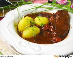 Hovězí daube Baked Potato, Stew, Chili, Menu, Potatoes, Tasty, Baking, Ethnic Recipes, Red Peppers