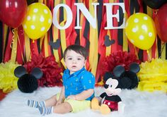 Mickey Mouse Smash Cake Session