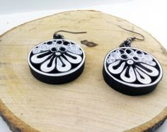 Quilling earrings White Flower Paper Quilling Paper by IvonaJQ