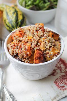 Roasted Butternut Squash with Chicken & Quinoa #healthy #dinner #recipe #chicken #quinoa #glutenfree