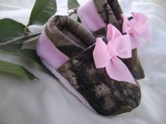 baby girl camo infant shoes, crib shoes, Realtree