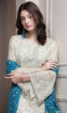Maryum N Maria Vanilla Iris Freesia Chiffon 2017 Price in Pakistan famous brand online shopping, luxury embroidered suit now in buy online & shipping wide nation. Pakistani Fashion Party Wear, Pakistani Dresses Casual, Pakistani Bridal Dresses, Pakistani Dress Design, Indian Dresses, Casual Dresses, Fashion Dresses, Women's Fashion, Fasion