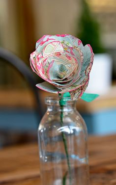 Map roses, made from maps of your favourite places. Full tutorial for this lovely simple craft.