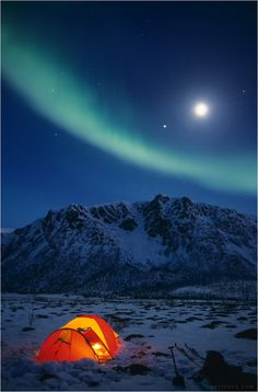 Moonrise and a nice aurora display while camping in Lovik, Vesterålen (Norway). Wish all of you a nice and active holiday! Us Travel Destinations, Travel Gadgets, Outdoor Camping, Night Skies, Trip Planning, Norway, Northern Lights, Beautiful Places, Bonfires