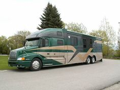 Luxury motorhomes for traveling in style. PowerHouse Coach custom builds your motorcoach from a full size class 8 diesel truck chassis. Luxury Private Jets, Luxury Rv, Super C Rv, Cool Rvs, Motorhome Interior, Rv Campers, Camper Van, Luxury Motorhomes, Class A Motorhomes