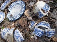 RARE Dedham Pottery Bottle dump dig! Metal detecting relics WOW!!! - YouTube
