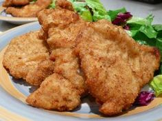 Recipes for breaded pork cutlets Marinated Pork Chops, Breaded Pork Chops, Pork Cutlets, Boneless Pork Chops, Pork Chop Recipes, Meat Recipes, Salad Recipes, Chicken Recipes, Cooking Recipes