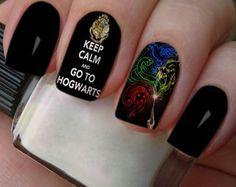 Película Harry Potter, I wish I could go to Hogwarts Harry Potter Makeup, Harry Potter Nail Art, Em Nails, Hair And Nails, Hogwarts, Nail Art Designs, Nailart, Manicure, Nail Polish