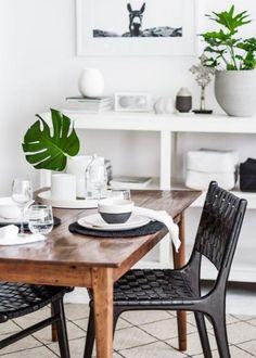 salle à manger scandinave, table bois scandinave, chaises noires