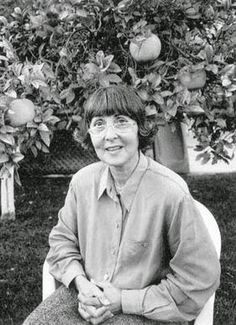 Fiama Hasse Pais Brandão  (1938 — 2007) foi uma escritora, poetisa, dramaturga, ensaísta e tradutora portuguesa. É considerada como uma das mais importantes escritoras do movimento que revolucionou a poesia nos anos 60.1 Foi premiada em 1996 com o Grande Prémio de Poesia da Associação Portuguesa de Escritores.