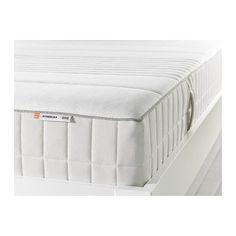 IKEA - MYRBACKA, Memoryschaummatratze, fest/weiß, 90x200 cm, , Eine Schicht Memoryschaum passt sich der Körperkontur an, wirkt druckentlastend und sorgt für entspannende Nachtruhe.Eine extrastarke Schicht aus Komfortmaterial sorgt für ein angenehmes Liegegefühl.Einfach sauber zu halten, da der Stoff abnehmbar und in der Maschine waschbar ist.