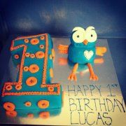 Giggle and Hoot cake, I made for my brothers 1st birthday!