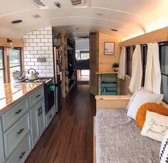 Home & space bus living, bus house, school bus house. Bus Living, Tiny House Living, Bus Remodel, School Bus Tiny House, Converted Bus, Kombi Home, Van Home, Tiny House Design, Remodeled Campers
