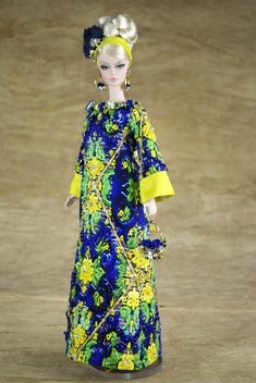Creations, specializes in one-of-a-kind doll designs, formed by fashion designer, Mario Paglino and graphic art director, Gianni Grossi. Barbie Hair, Doll Clothes Barbie, Barbie Dress, Doll Parts, Barbie Collection, Barbie Friends, Ooak Dolls, Vintage Dolls, Chic Outfits