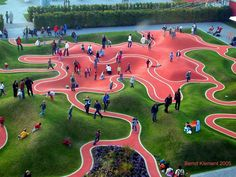 Going beyond flat playgrounds and taking it to the next level using natural lang features Landscape Elements, Landscape Architecture Design, Park Landscape, Urban Landscape, Arches Park, Playground Design, Modern Playground, Linear Park, Urban Design Plan