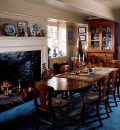Dutch Colonial Stone House and Local Antiques - Old House Restoration, Products & Decorating