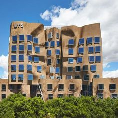 ~Frank Gehrys squashed paper bag business school opens in Sydney http://www.dezeen.com/2015/02/03/frank-gehry-paper-bag-dr-chau-chak-wing-uts-business-school-sydney-opens/ … #architecture #gehry