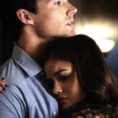Ian Harding & Lucy Hale (Ezra Fitz & Aria Montgomery, Pretty Little Liars)