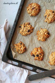 Grove havregrynscookies er den perfekte efterårscookie, og går både godt til en kop kaffe eller som en snack til eftermiddagssulten. Haps!