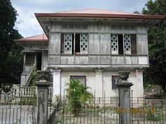 Filipino Architecture, Philippine Architecture, Tropical Architecture, Philippine Houses, Filipino Culture, Filipiniana, Vernacular Architecture, Built Environment, Tropical Houses