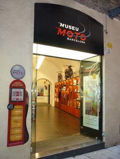 Museu de la Moto: Carrer de la palla Nro. 10. www.museumoto.com Metro: Liceu i Jaume Primer.  Entrada adaptada: Si (rampa) Parada taxi: No (Carrer peatonal)  Tracte del personal: Correcte