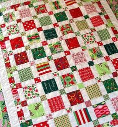 easy Christmas quilt with squares and rectangles.  Put diagonal squares of red block, and green blocks.