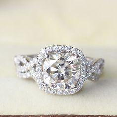 Luxury 2.8 Carat Cushion Cut Moissanite Halo Wedding Ring Set White Gold Size 7