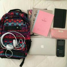 Backpack Essentials, School Essentials, Diy Backpack, Too Cool For School, Back To School, High School, Schul Survival Kits, School Suplies, Cool School Supplies